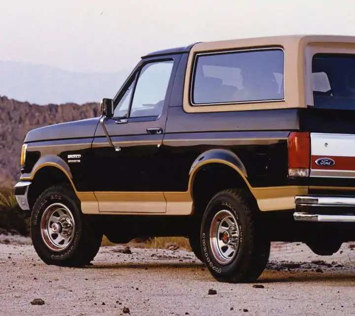 bronco-gallery-gen04-1987-005